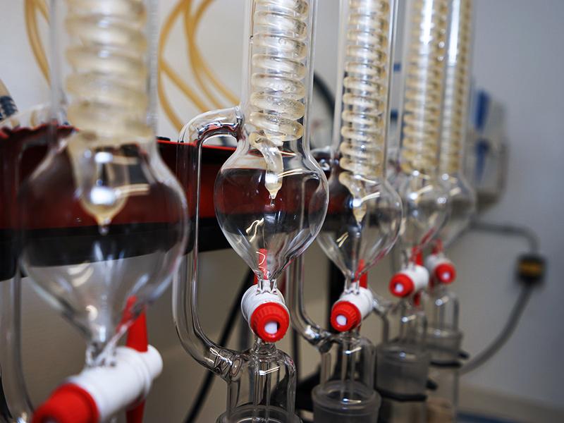 Ölanalyse und Qualitätskontrolle im Labor